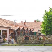 Borostyánkert Étterem és Vendégház