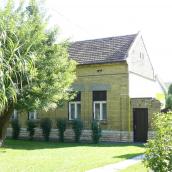 Adi Vendégház