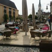 Kékfény Étterem és Pizzéria