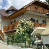 Engelhaus Apartmanház