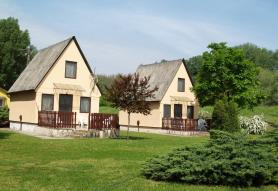 AAZ Pax Házak