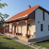 Mátyás Madár Vendégház