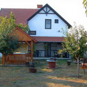 Adamecz Ház