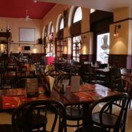 MM Pub Étterem és Kávéház
