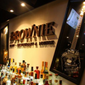 Brownie Cafe * Restaurant & Lounge