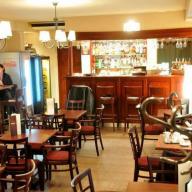 Ostrom Cafe és Sport Bár