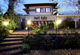 Part Café & Panzió