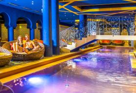 Mesés Shiraz Hotel