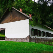 Jávorkút Étterem és Panzió