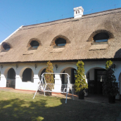 Pálköve Nádfedeles Házikó