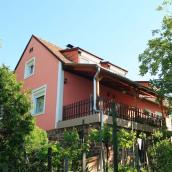 BÖ-1 Mórocz Apartman