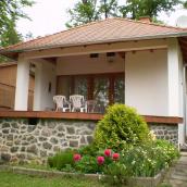 Mókus Villa