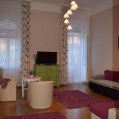 Orient Deluxe Apartments