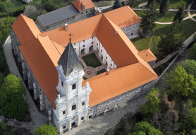 Kolostor Hotel