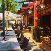 Taverna Étterem & Kávézó