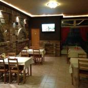 Palota Gyöngye Pizzéria & Étterem