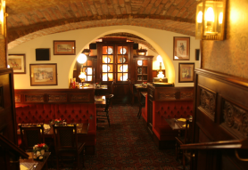 Perkovátz Ház English Pub & Restaurant