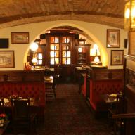 Perkovátz Ház English Pub & Restaurant