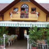 Fehér Hattyú Restaurant